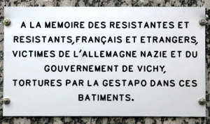 A plaque commemorating French Resistance, for which Marc Bloch gave his life